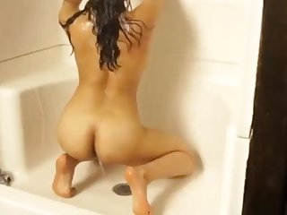 X Indian Babe Takes A Shower Amateur Cam