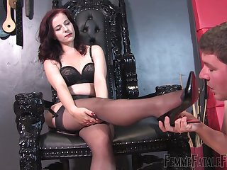Mistress Lola gets the brush feet kissed away from the brush submissive husband
